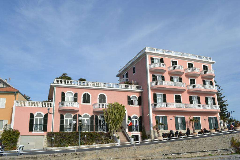 hotel-piccolo-lido-bordighera.jpg