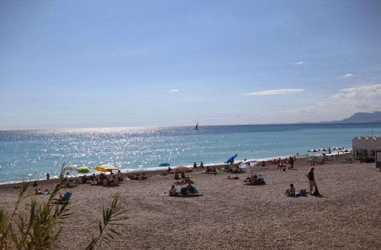 spiaggia-libera-bordighera