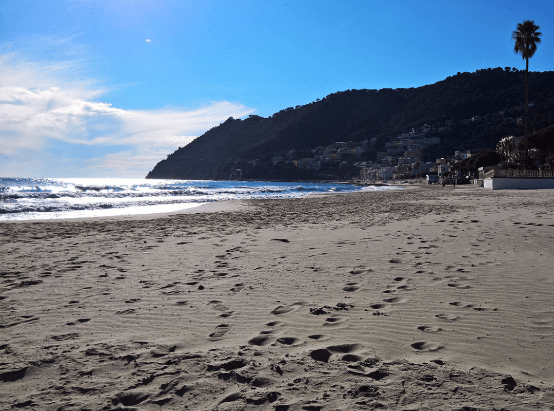 spiaggia-sabbia-laigueglia